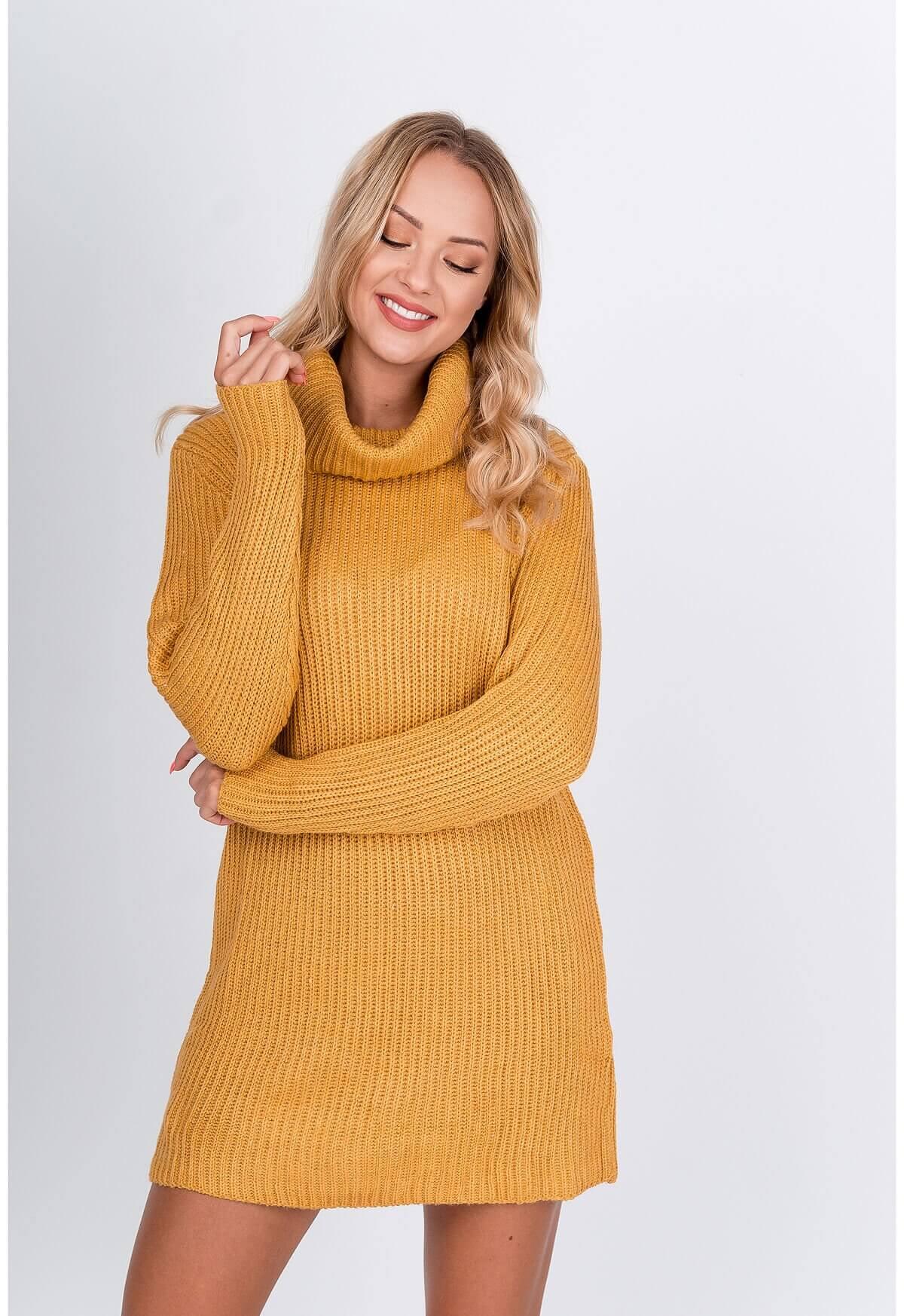 Dlhý horčicový sveter s rolákom