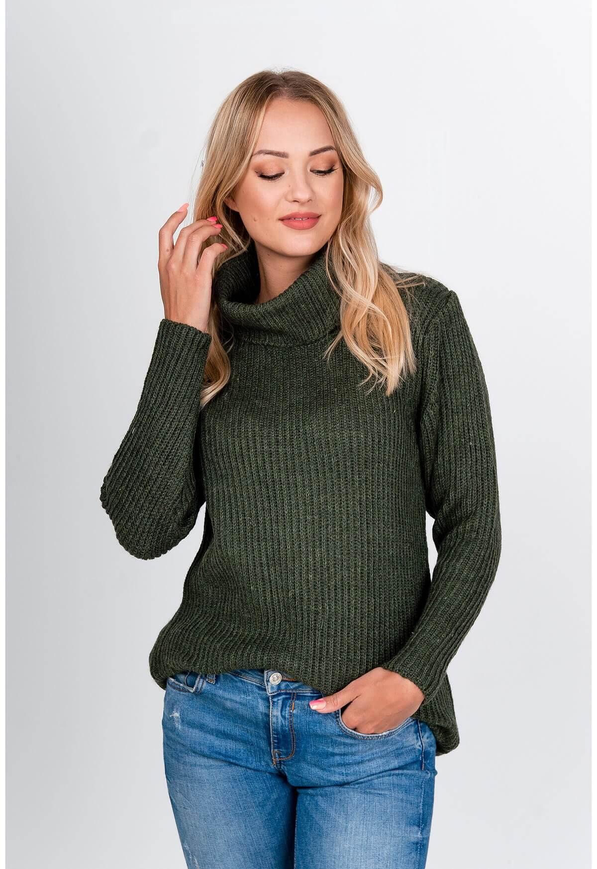Dlhý kaki sveter s rolákom