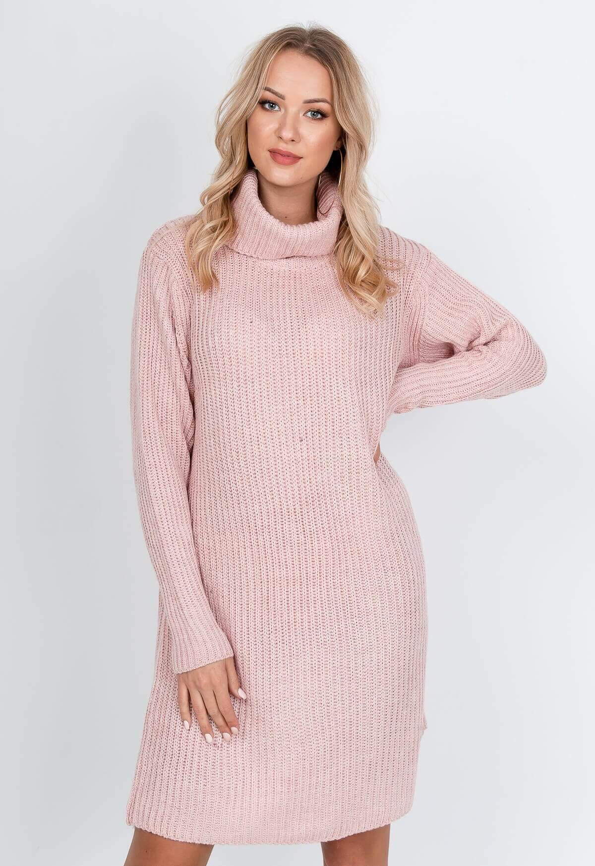 Dlhý ružový sveter s rolákom