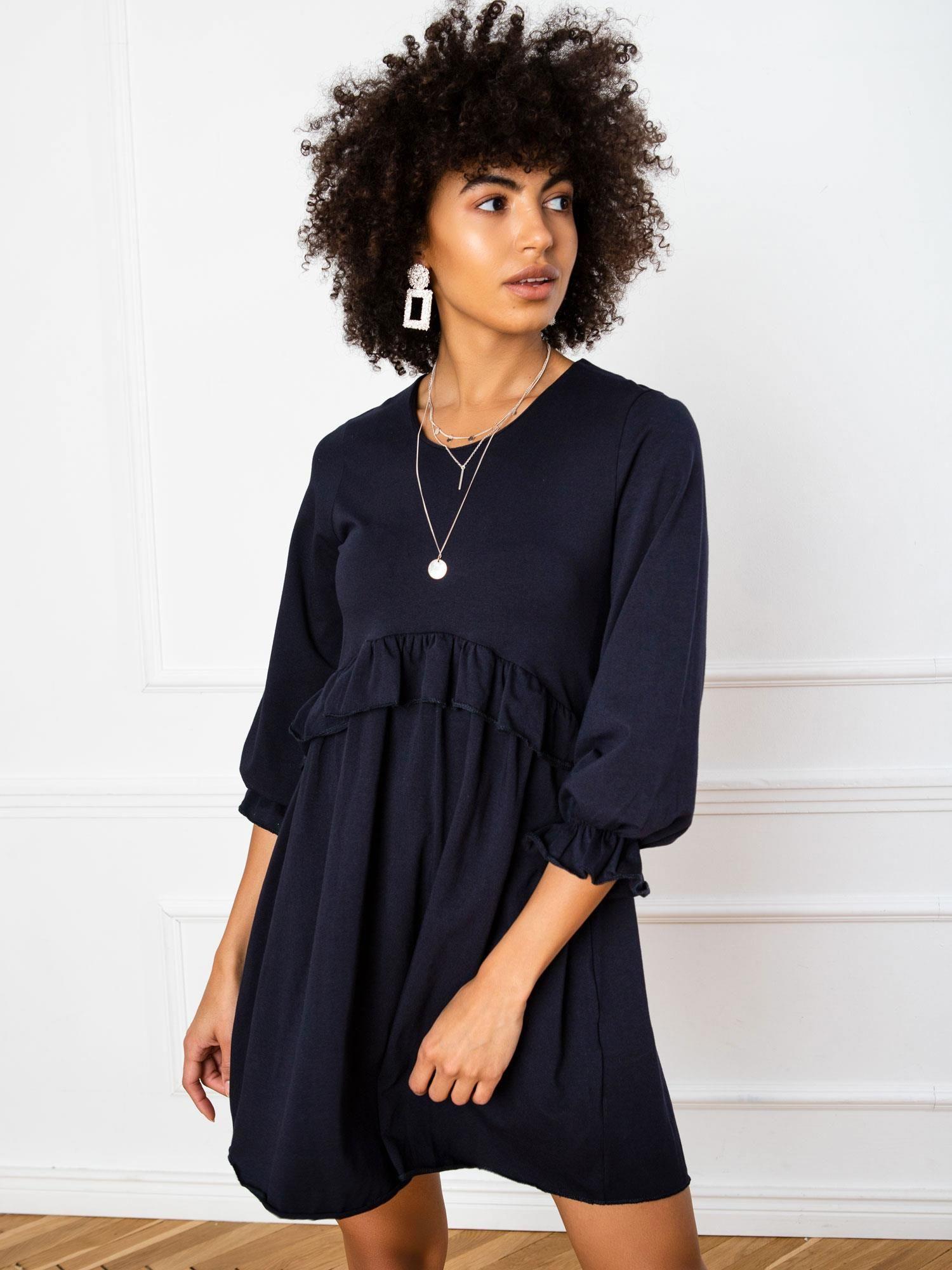 Krátke tmavomodré šaty s ozdobou - M
