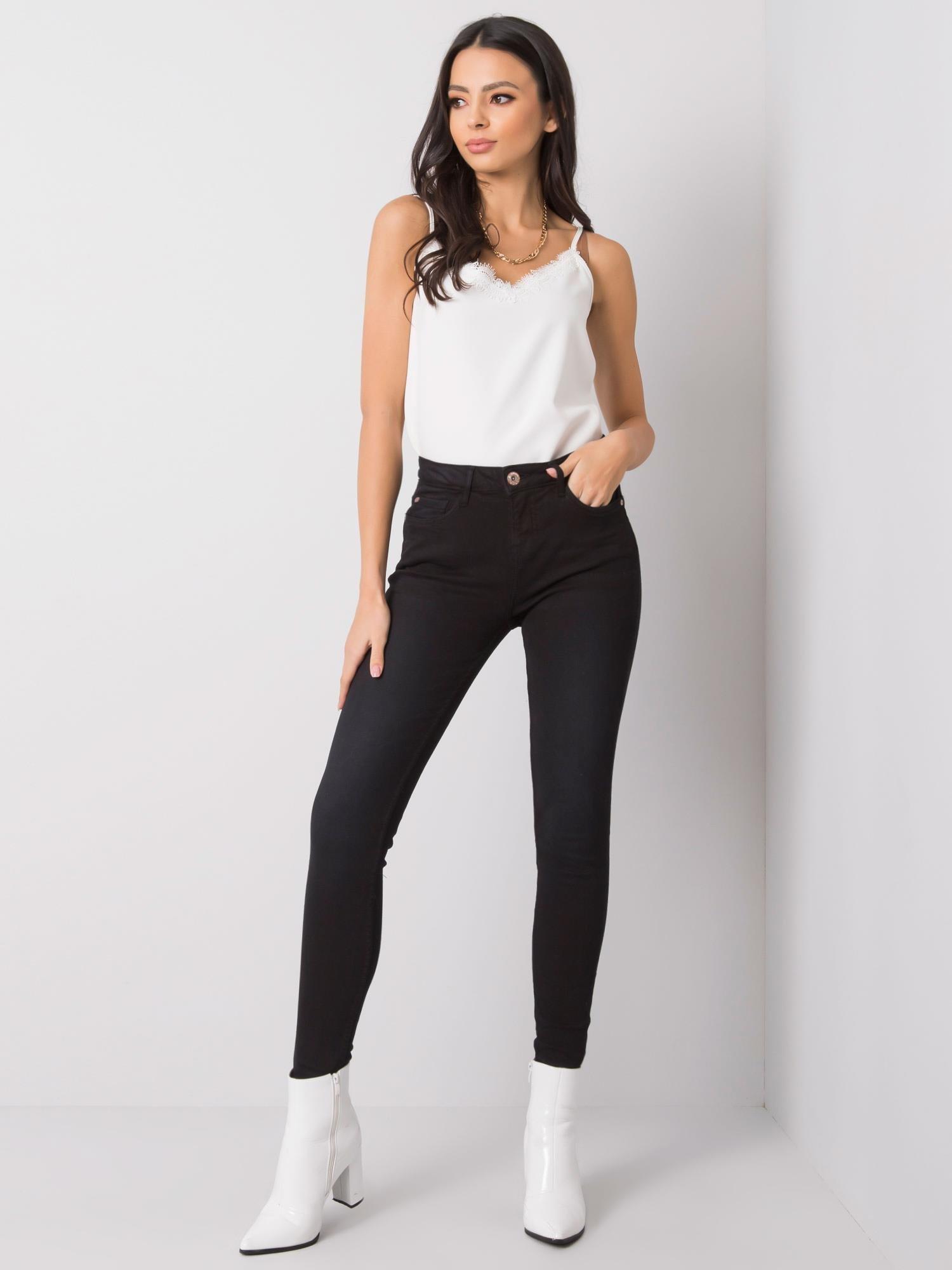 Čierne jednoduché džínsy - XS