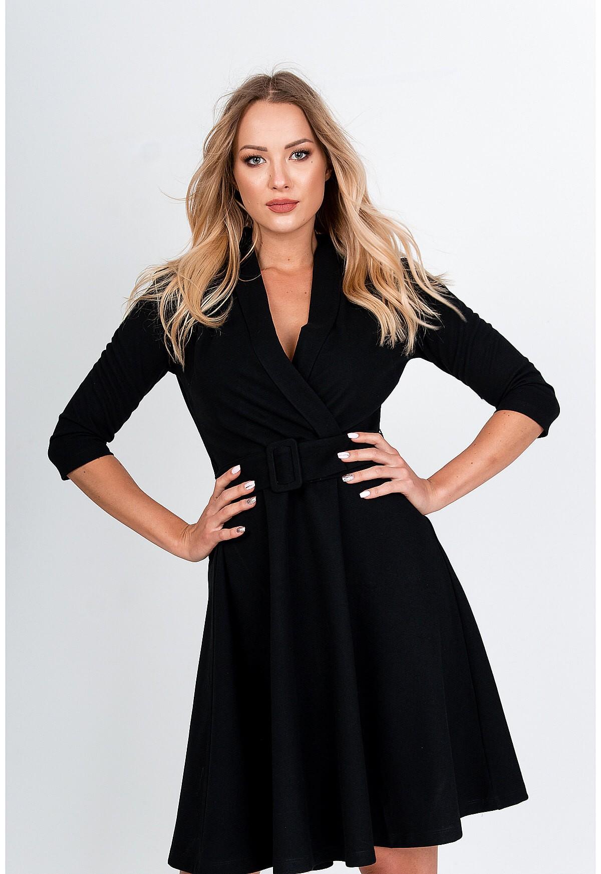 Elegantné čierne šaty s opaskom - M