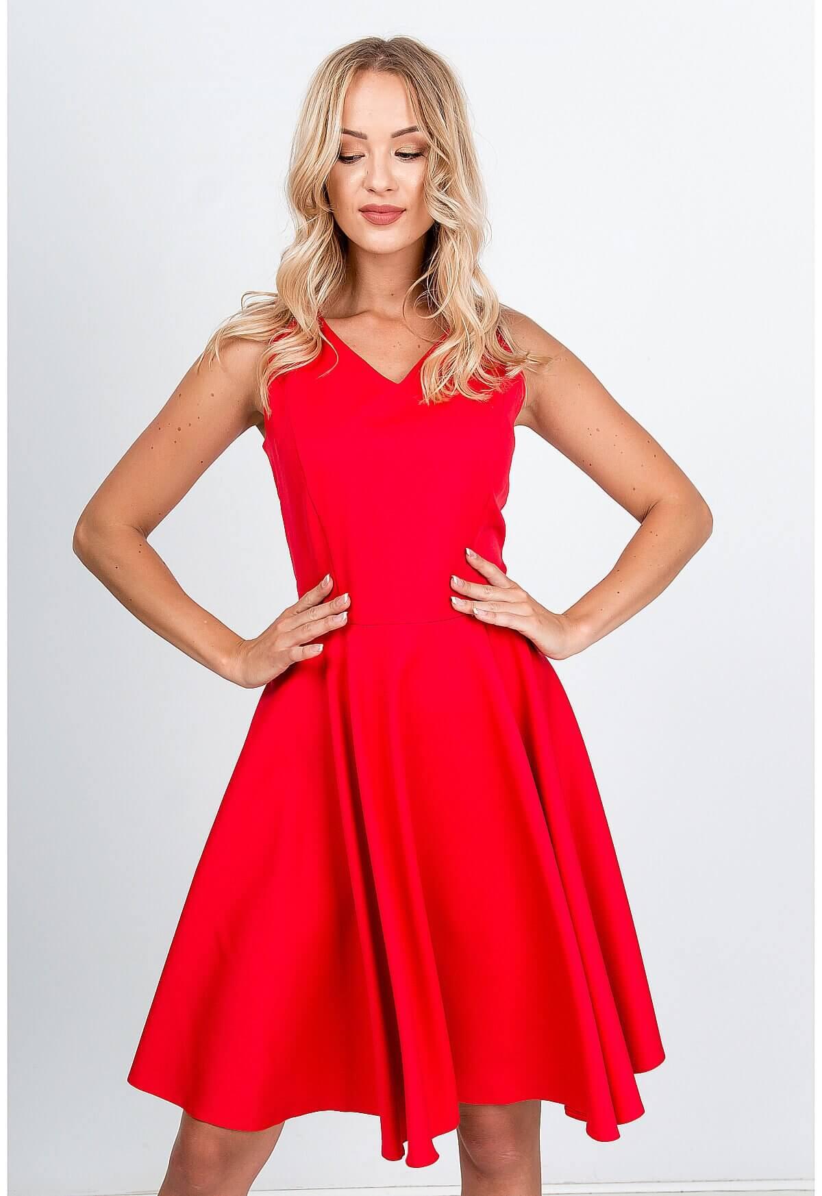 Elegantné midi červené šaty na ramienka - XL