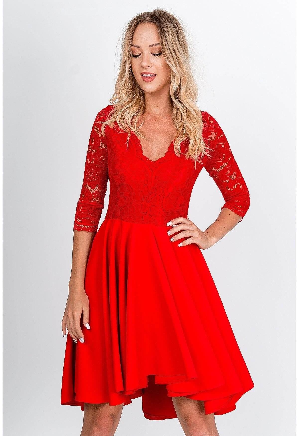 Elegantné krátke červené šaty s čipkou - S