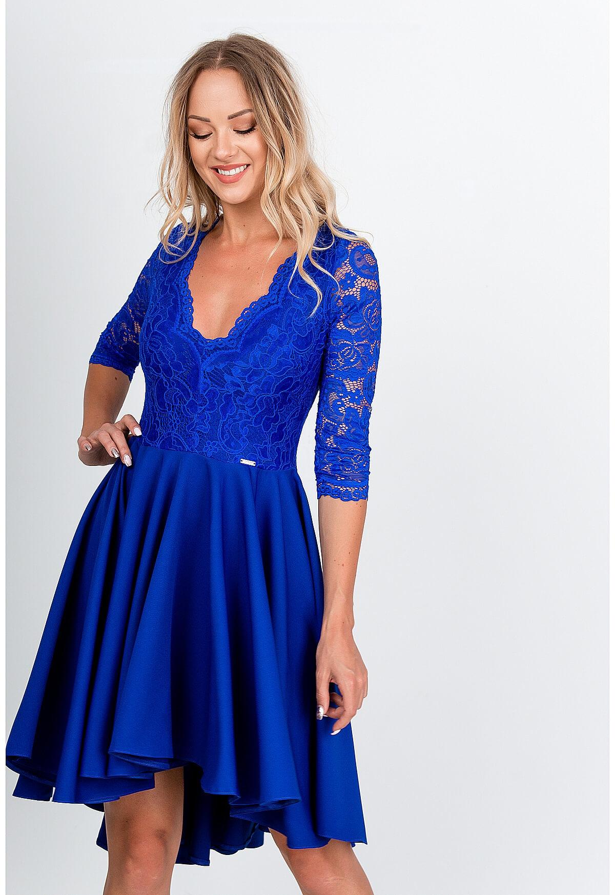 Elegantné krátke modré šaty s čipkou - S