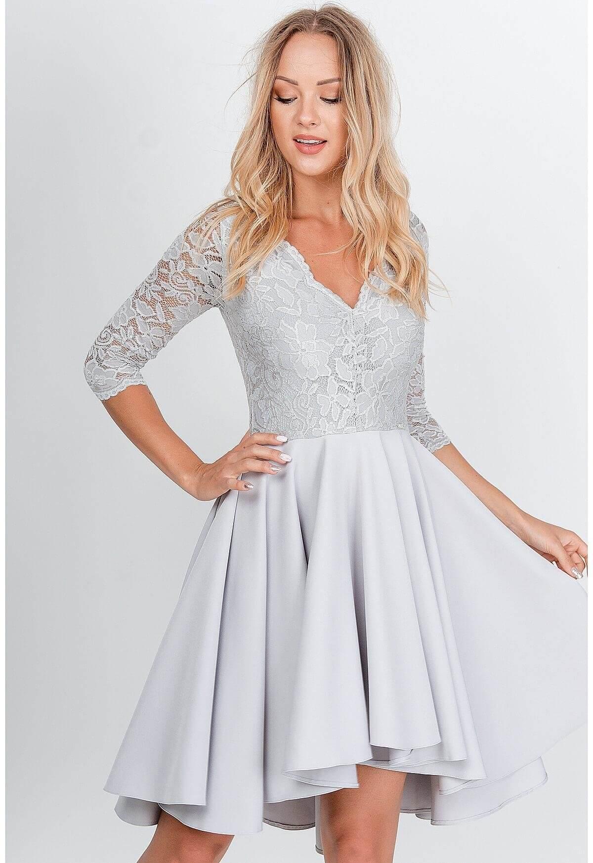 Elegantné krátke sivé šaty s čipkou - S