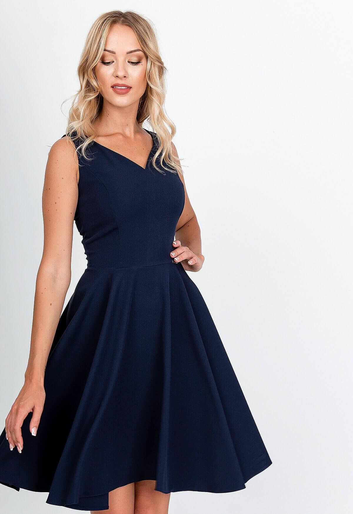Elegantné krátke tmavomodré šaty na ramienka - XL