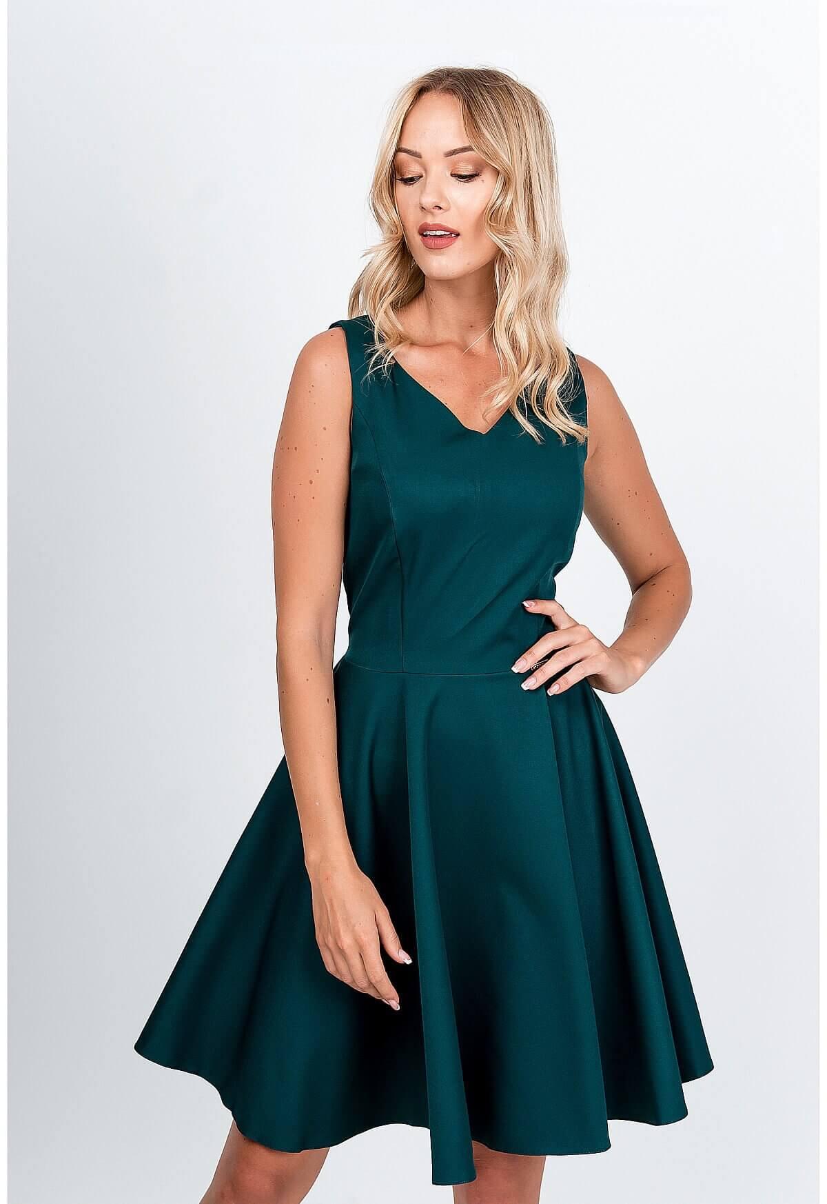 Elegantné krátke tmavozelené šaty na ramienka - XL