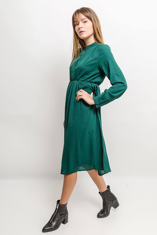 Elegantné polodlhé zelené šaty s dlhým rukávom