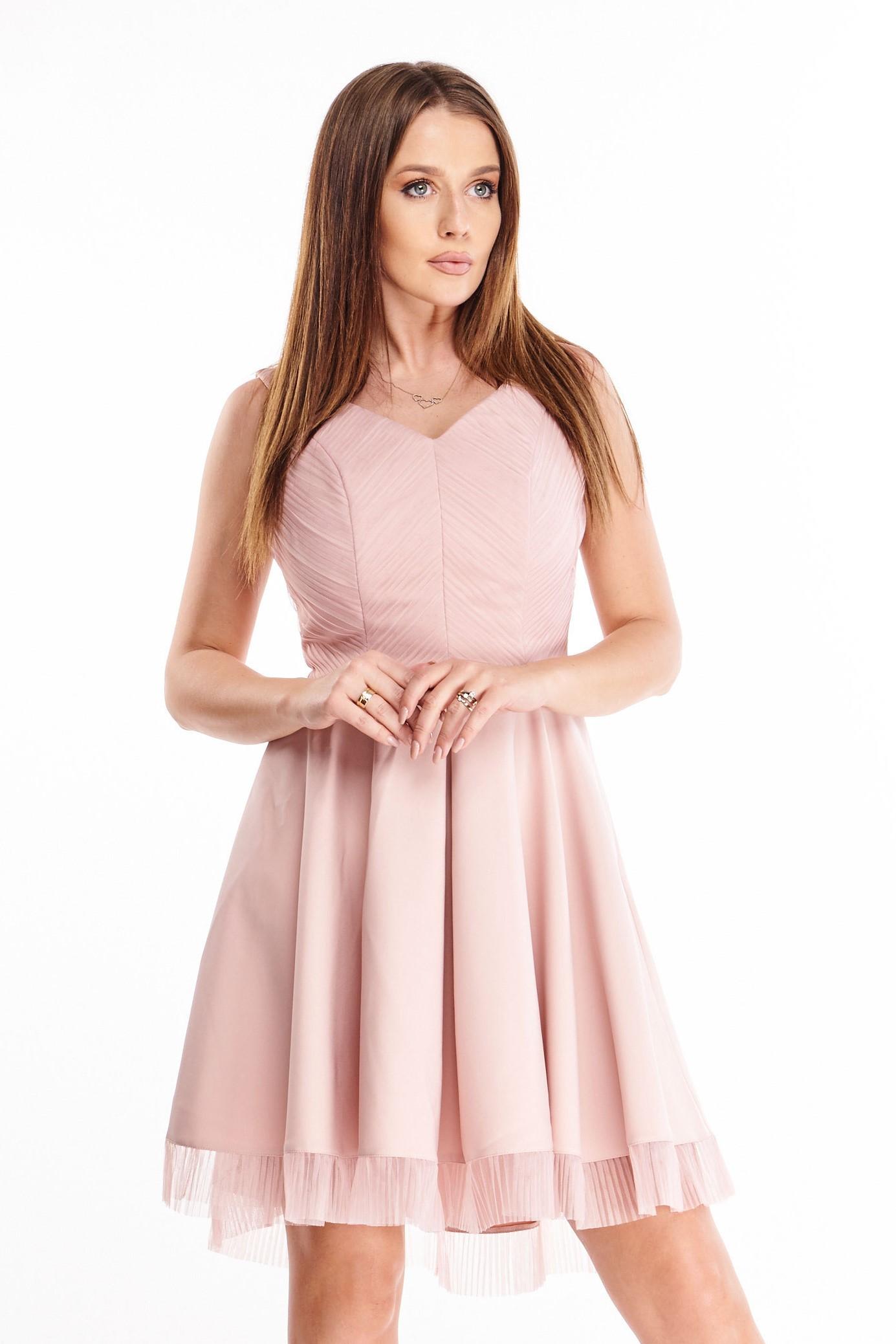 Elegantné ružové šaty s riasenou sukňou - S