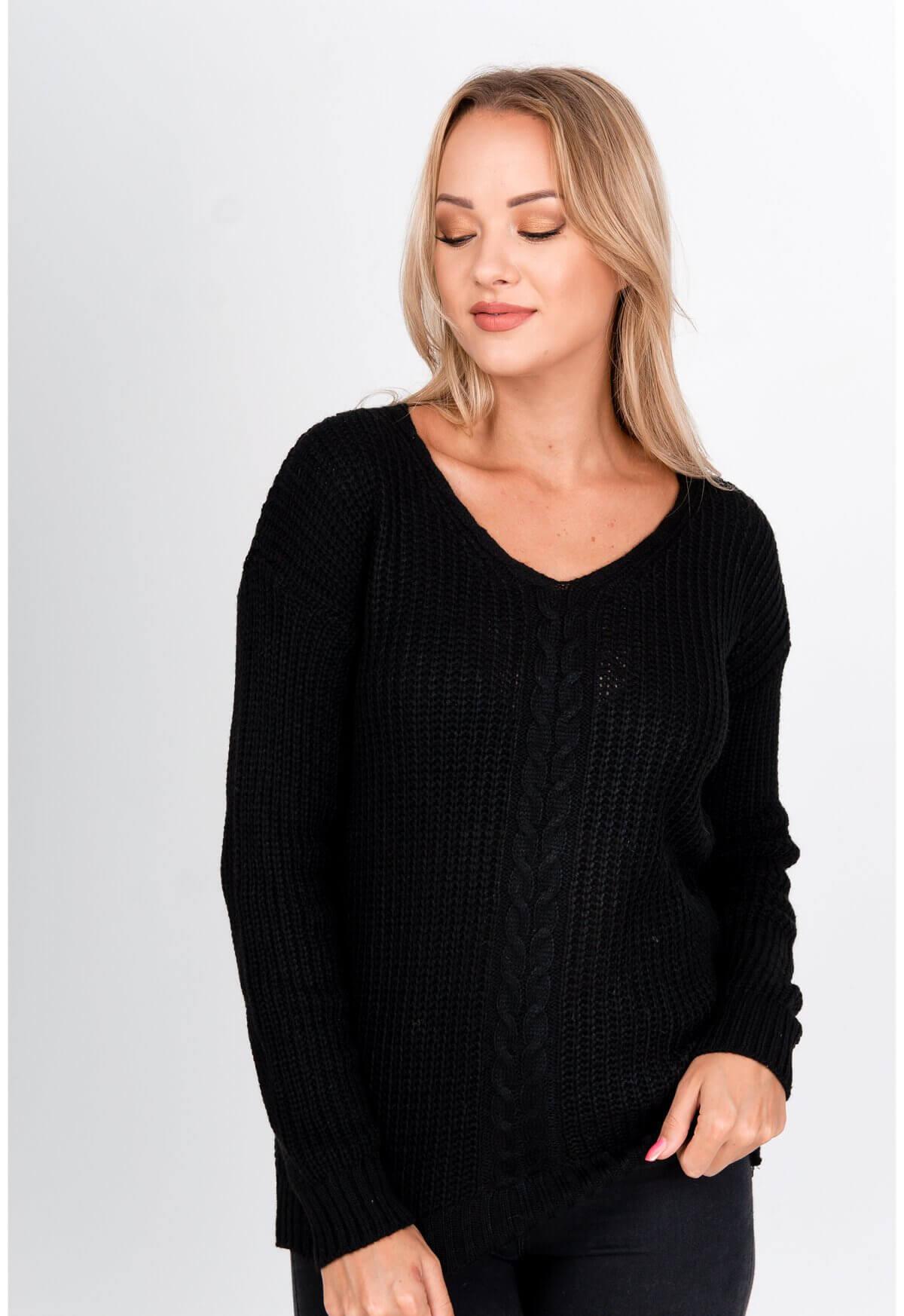 Elegantný čierny pletený sveter s výstrihom do V