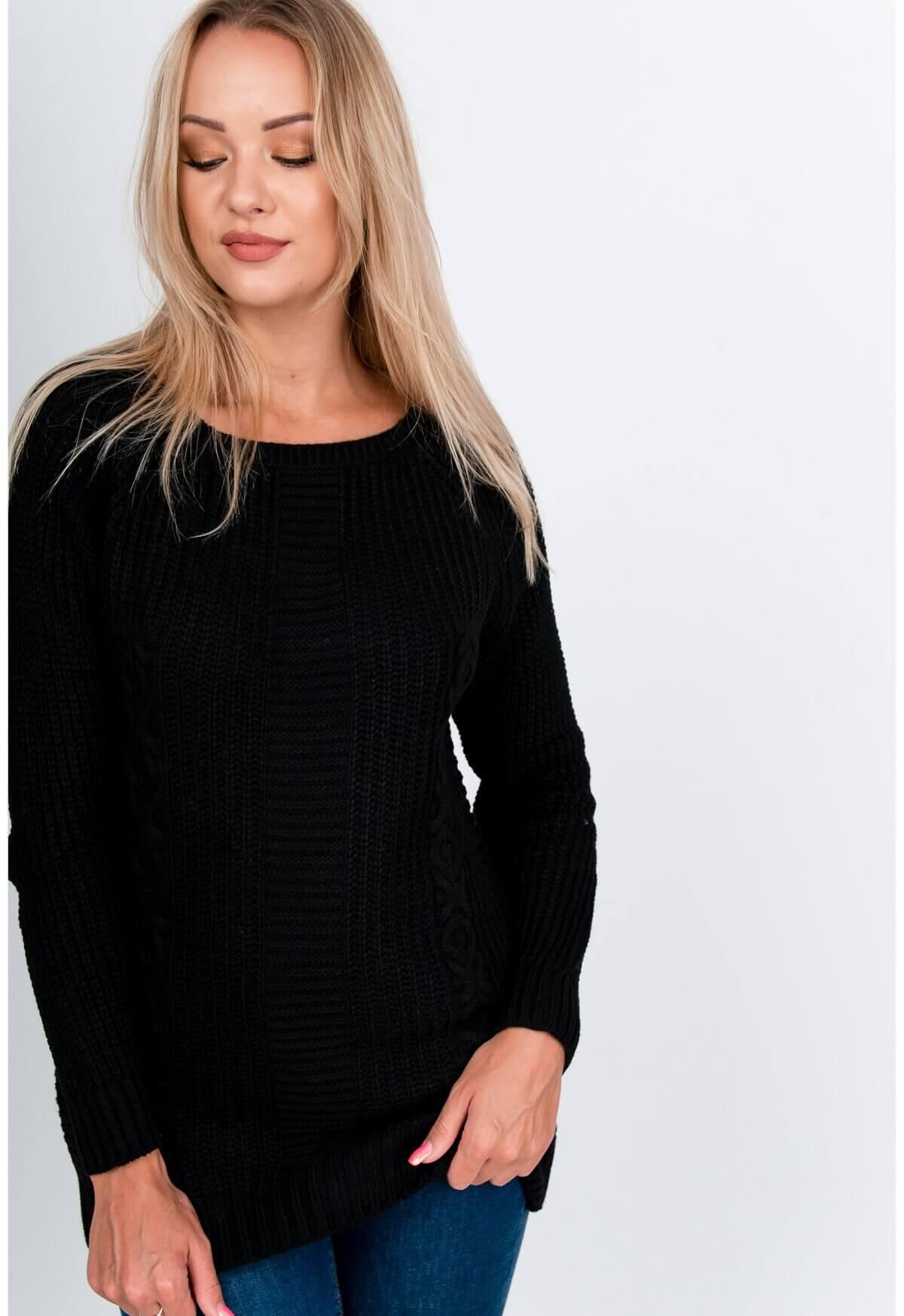Elegantný dlhý čierny sveter s rebrovaním