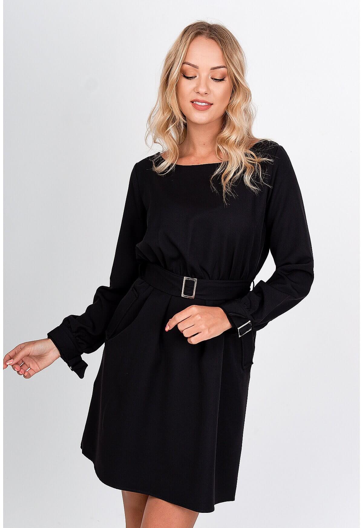 Jednoduché čierne šaty s dlhým rukávom - S/M