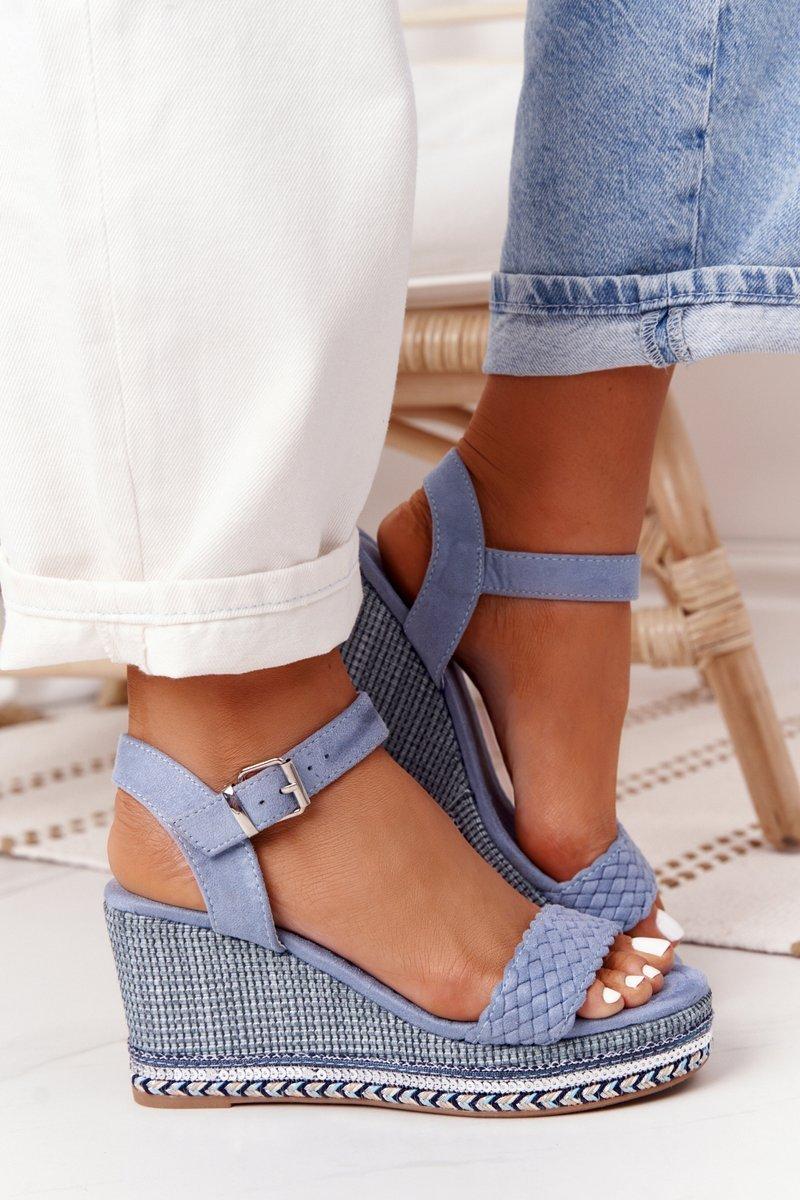 Modré sandále so zapínaním pomocou pracky - 40