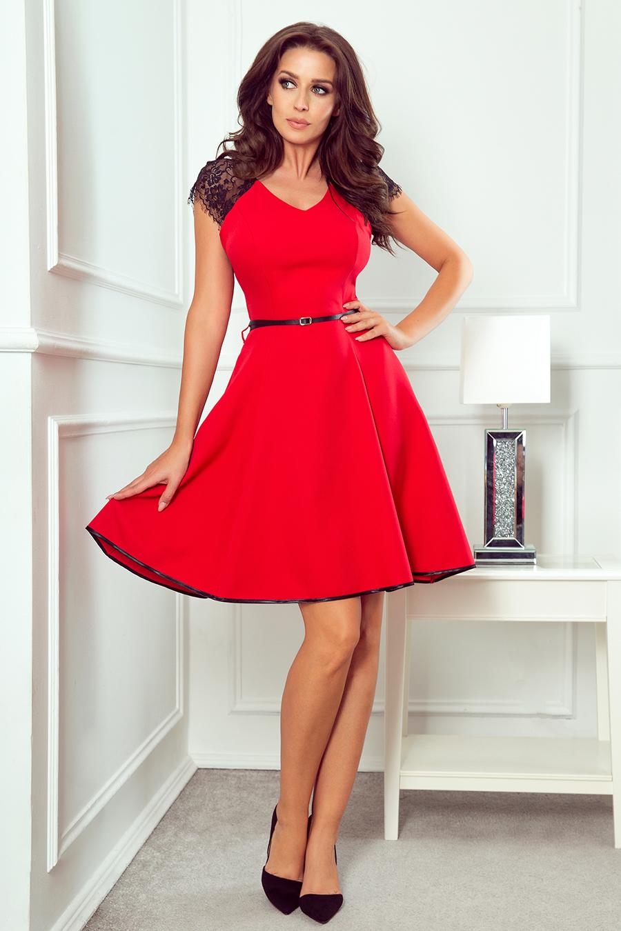 Koktejlové červené šaty s čipkovanými rukávmi - S