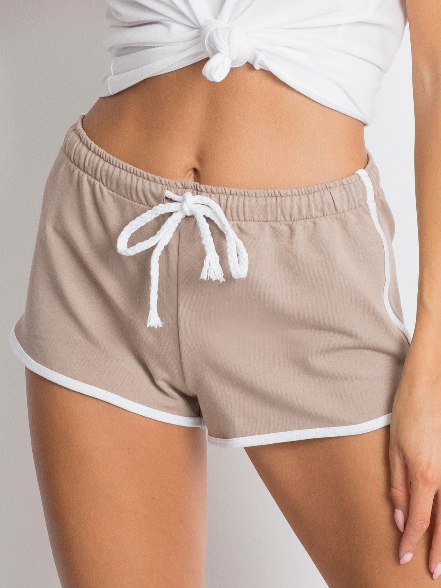Béžové bavlnené šortky - M