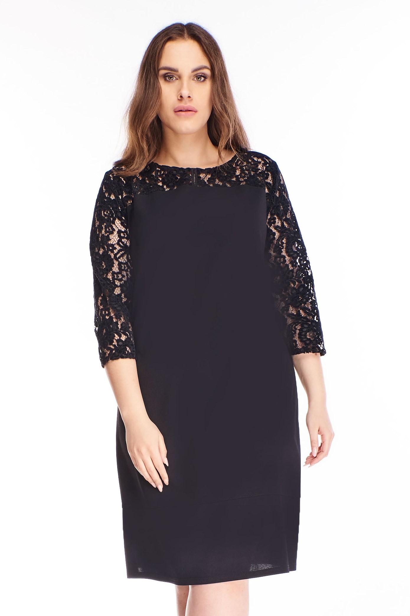 Krátke čierne šaty s čipkovaným rukávom - 42