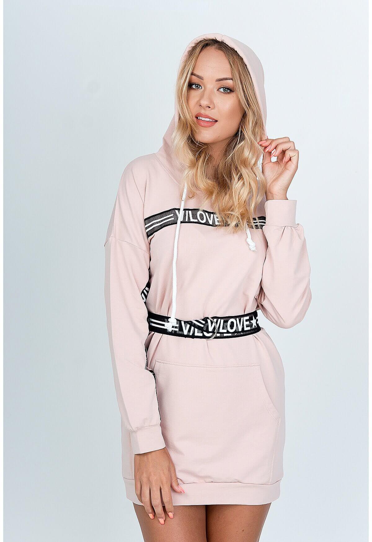 Krátke ružové šaty s dlhým rukávom