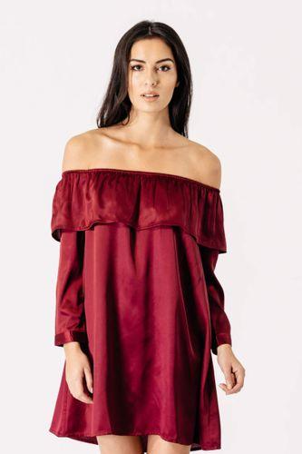 Krátke vínové šaty s volánikom