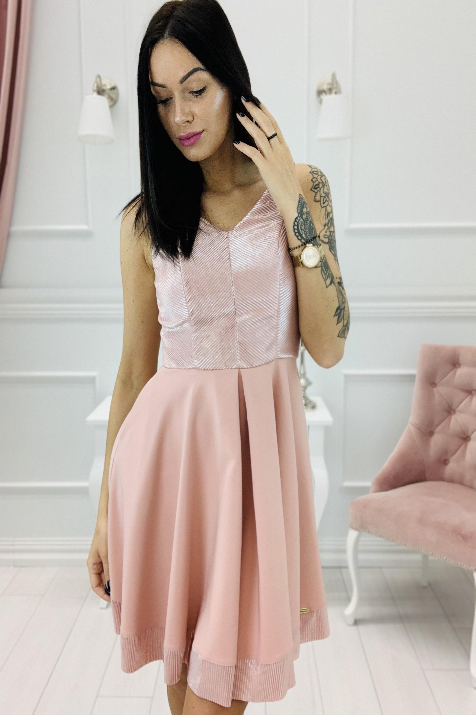 Krátke lesklé ružové šaty s rozšíreným dnom - S
