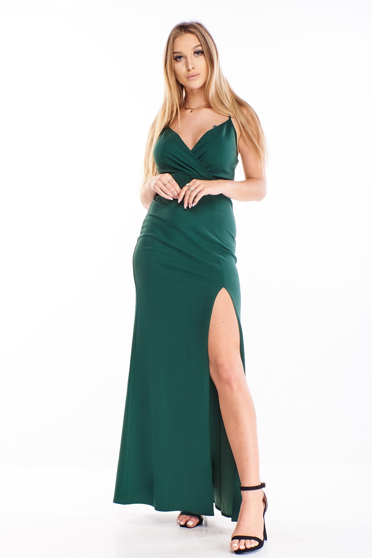 Priliehavé plesové šaty v zelenej farbe s rázporkom - 34
