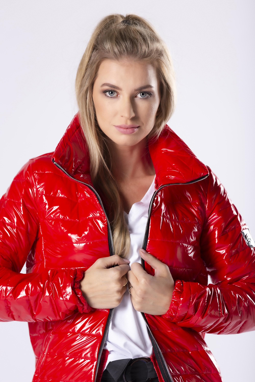 Lesklá červená bunda - L