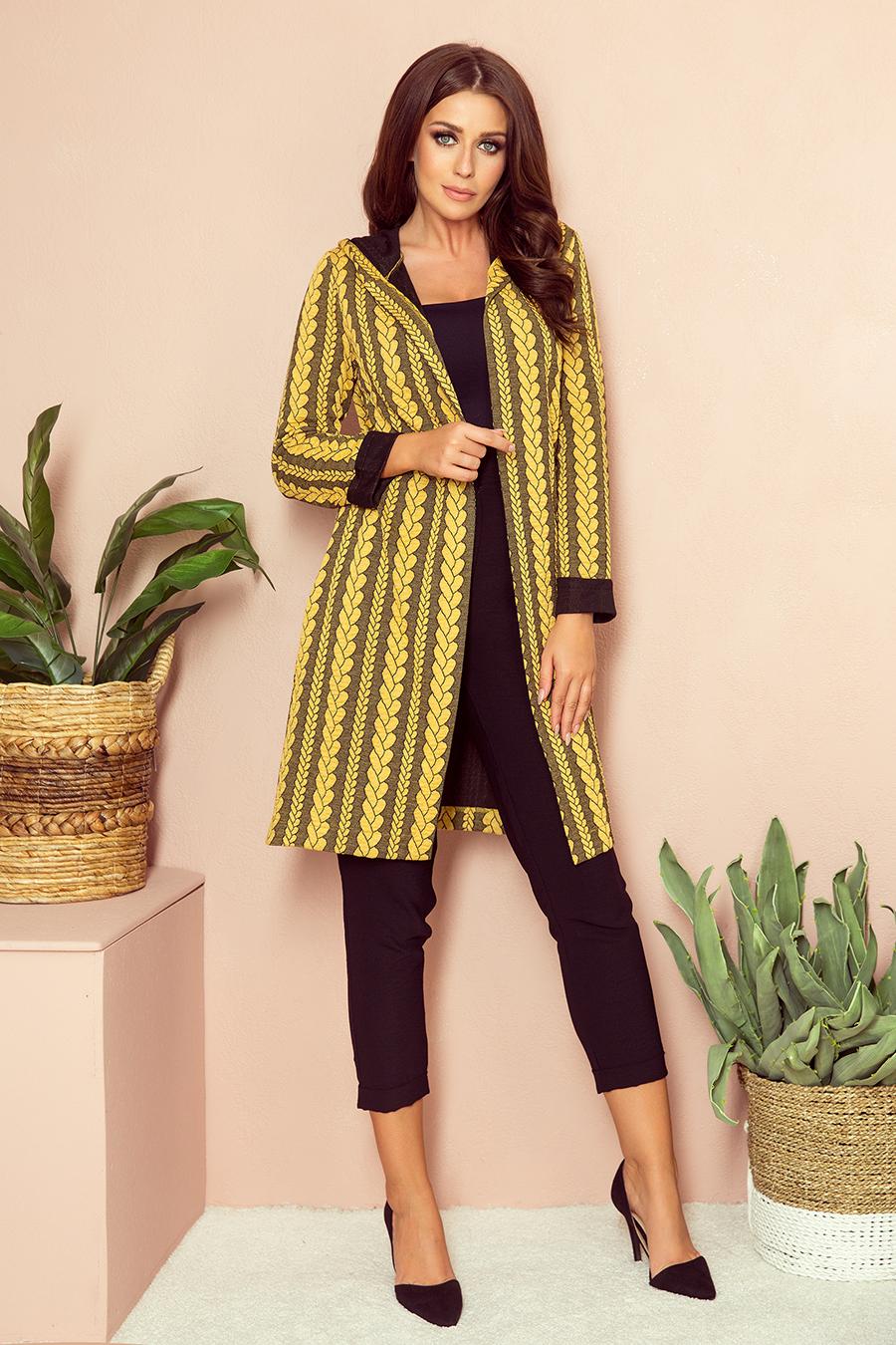 Vzorovaný dlhý žlto-čierny kabát s kapucňou - S