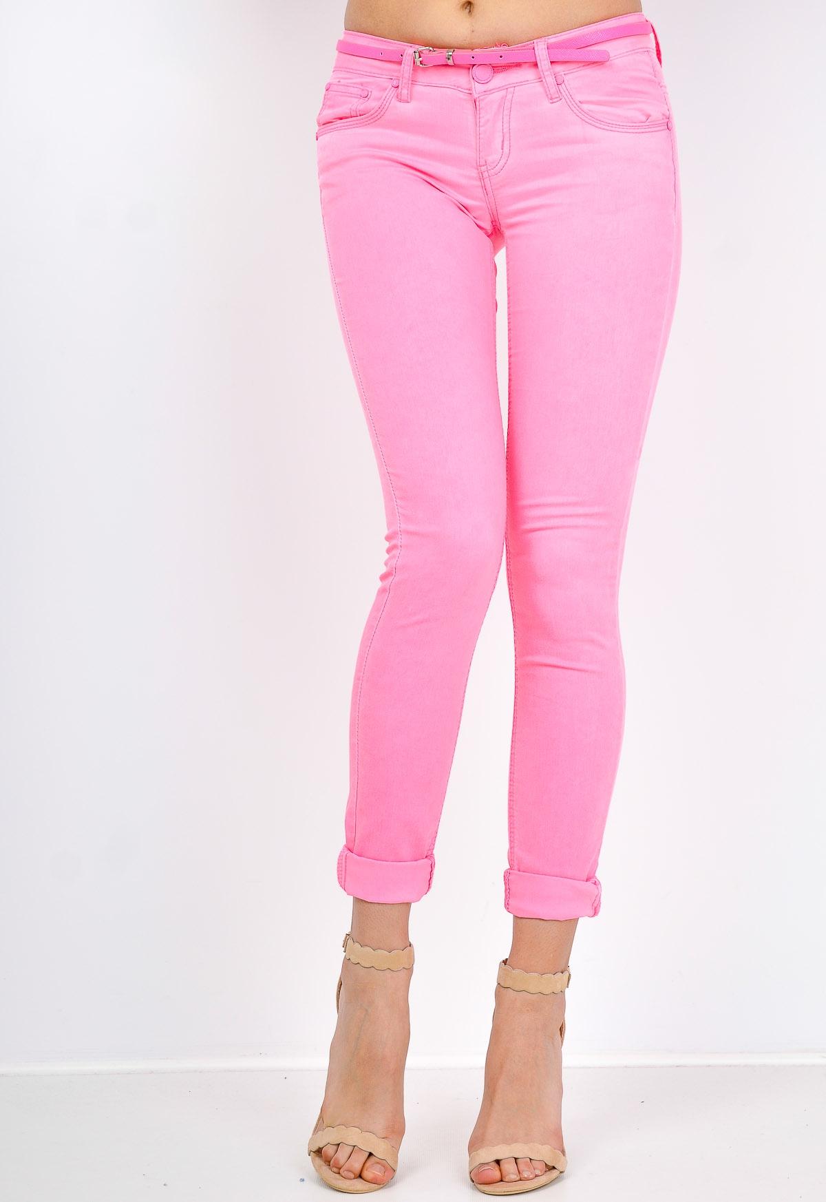 Dámske ružové džínsy s opaskom