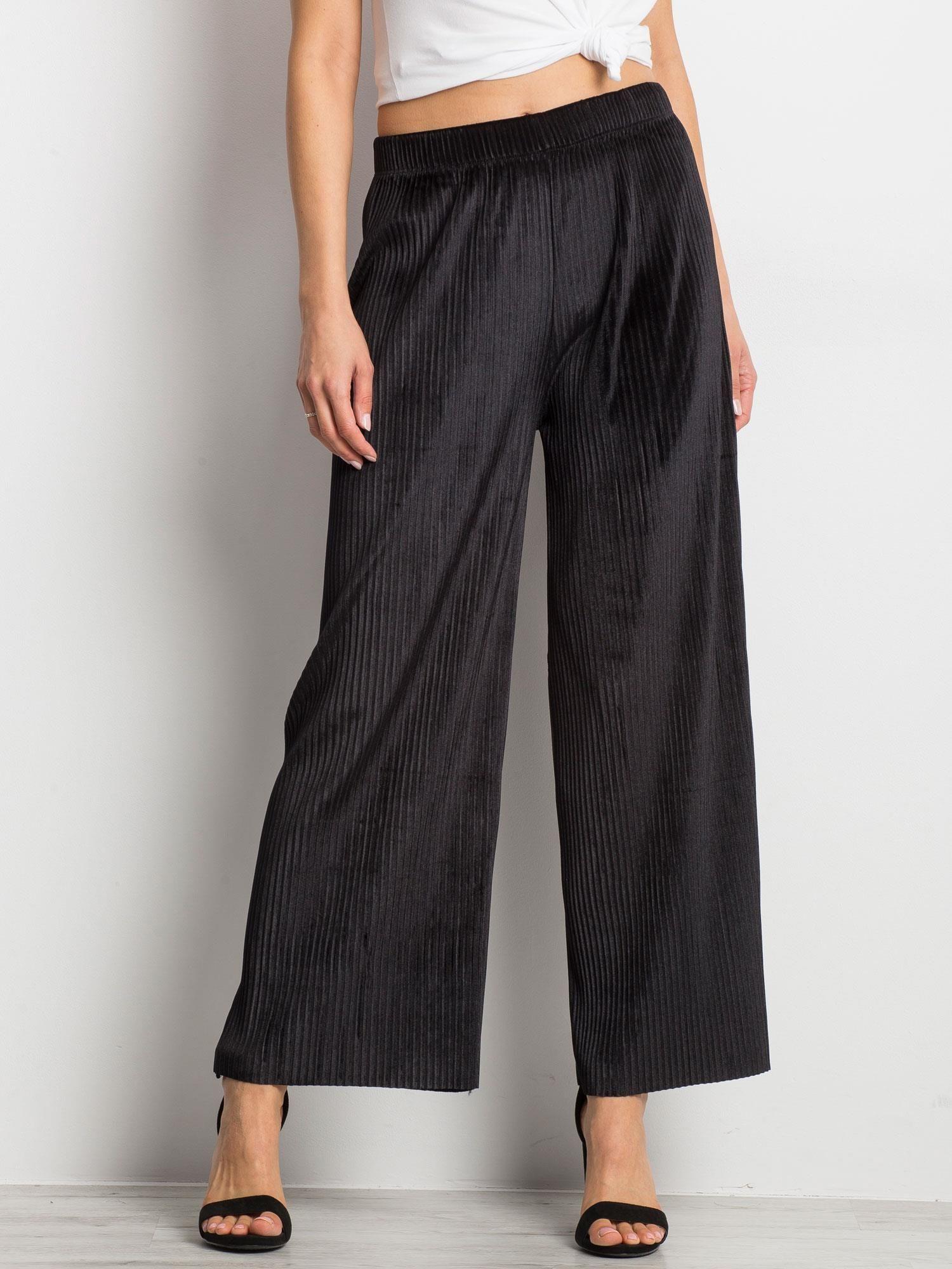 Čierne voľné rozšírené nohavice - XL