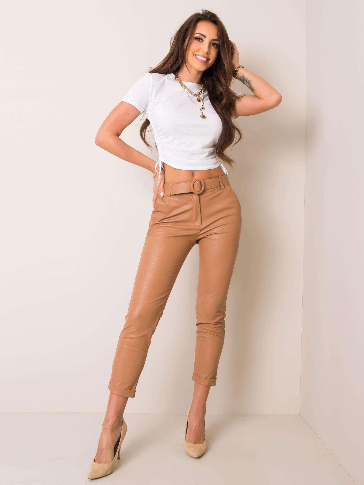 Tmavobéžové kožené nohavice s opaskom - L