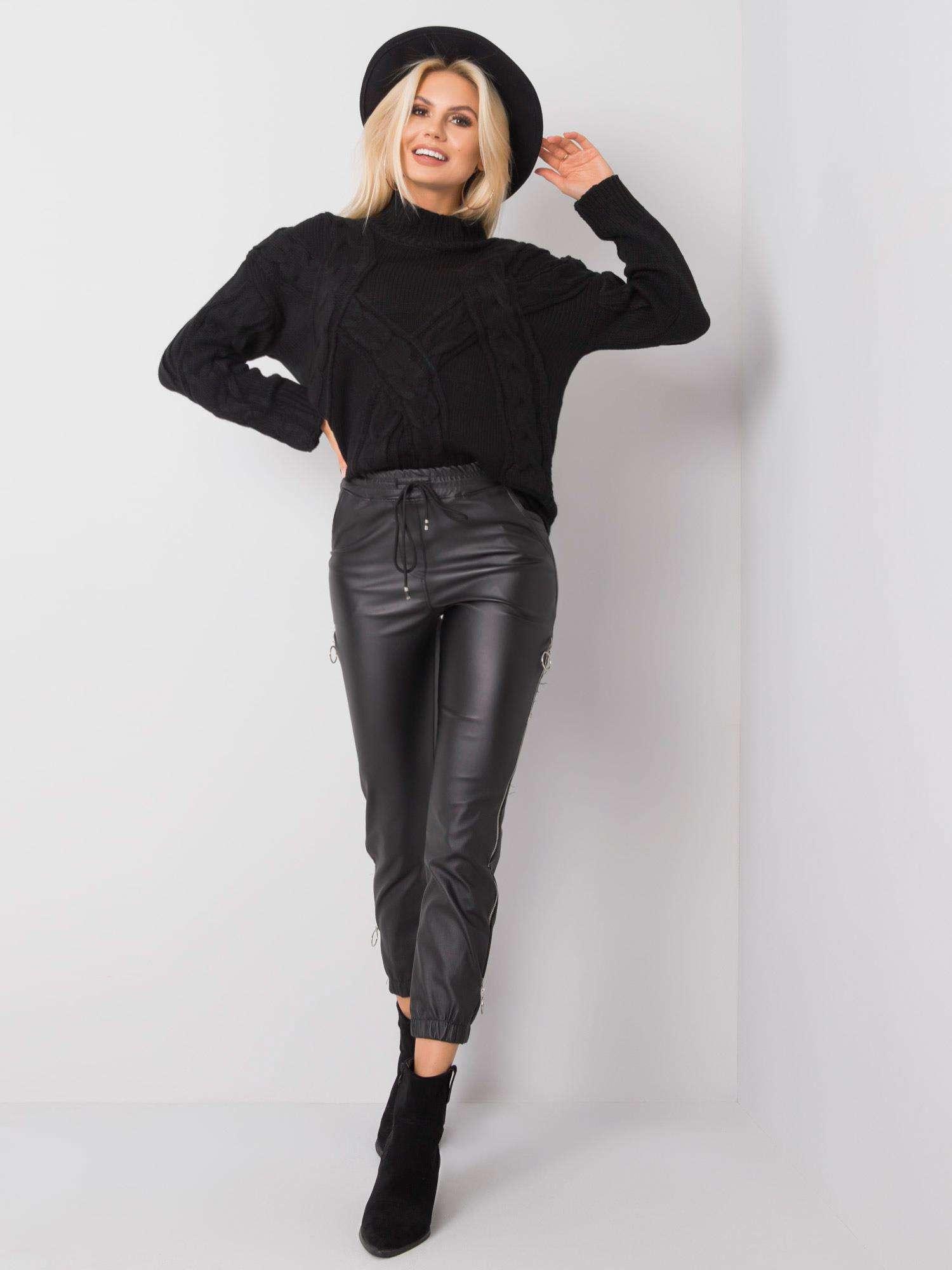 Čierne koženkové nohavice - S