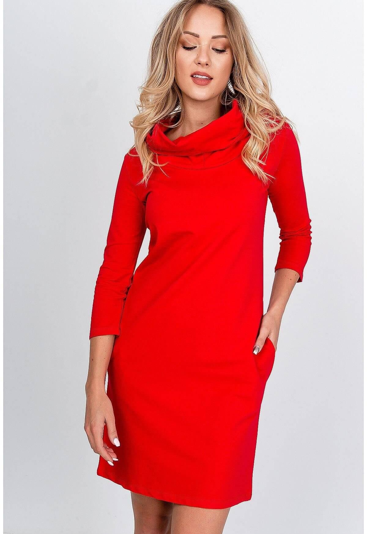 Pohodlné červené mikinové šaty s kapucňou