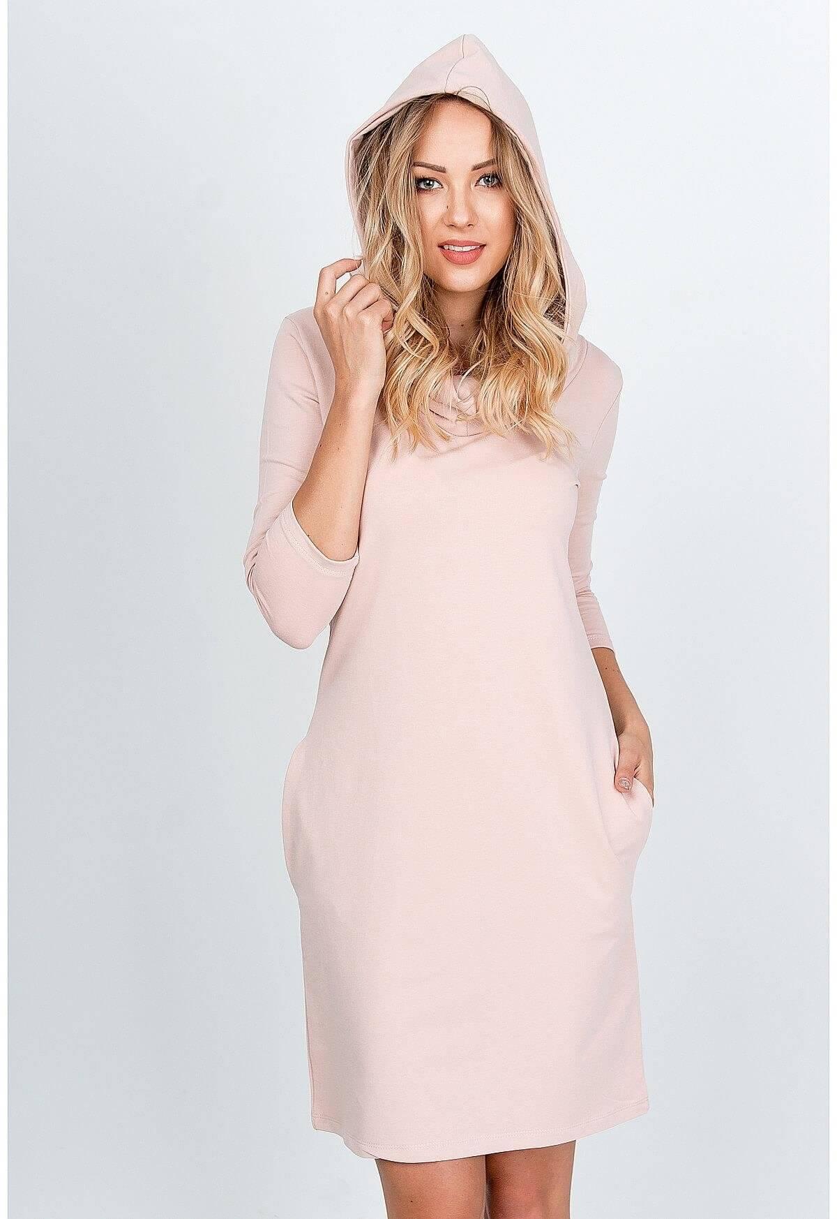 Pohodlné ružové mikinové šaty s kapucňou