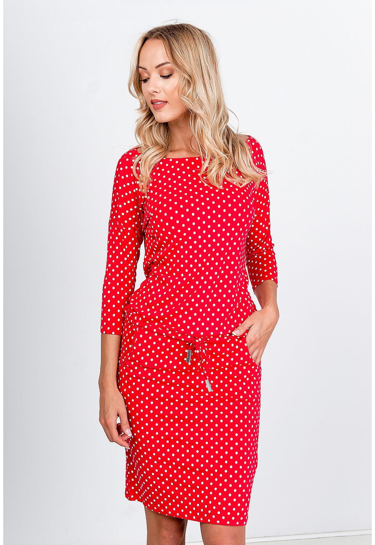 Pohodlné červené bodkované midi šaty - S