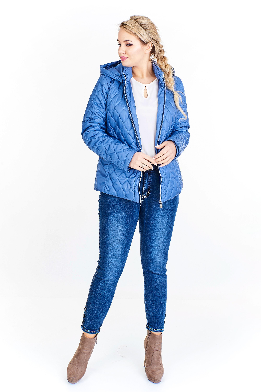 Modrá prešívaná bunda s kapucňou
