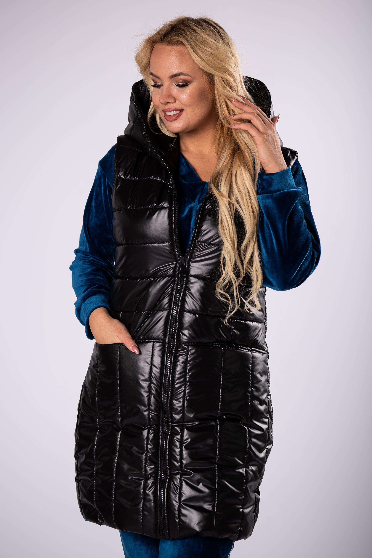 Prešívaná čierna vesta s kapucňou a ozdobnými pruhmi - 52