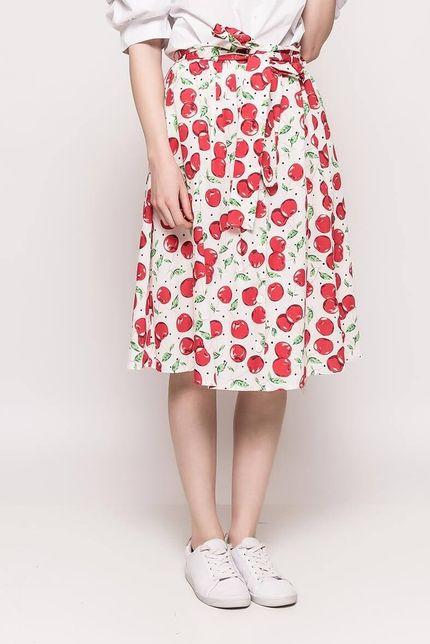 eda72327da1b Biela dámska sukňa s potlačou čerešní - ROUZIT.SK