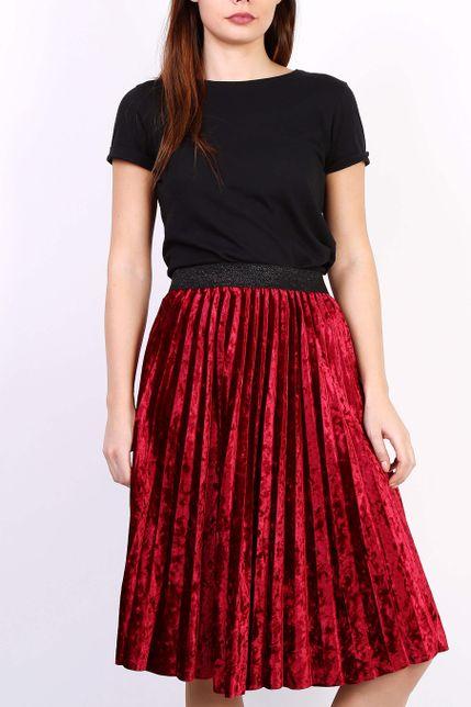 Červená plisovaná stredne dlhá sukňa