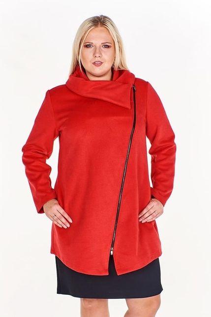 Červený dámsky kabát s veľkým golierom