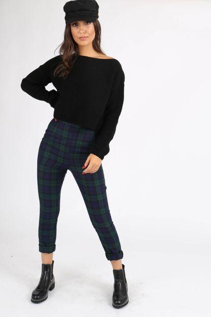 Dámsky krátky čierny sveter bez kapucne