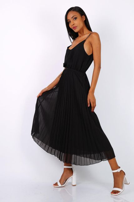 Dlhé plisované čierne letné šaty na ramienka