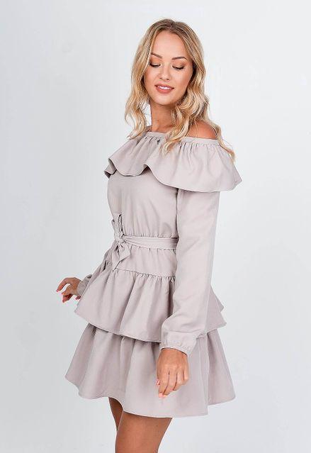 Krátke béžové šaty s volánovou sukňou