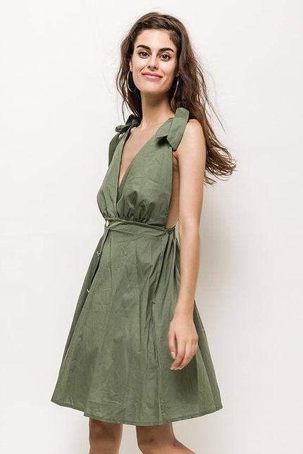 f5dcaebc0424 Krátke kaki letné šaty na ramienka zväčšiť obrázok
