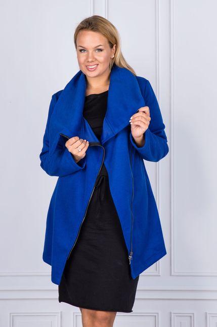 Modrý dámsky kabát s veľkým golierom