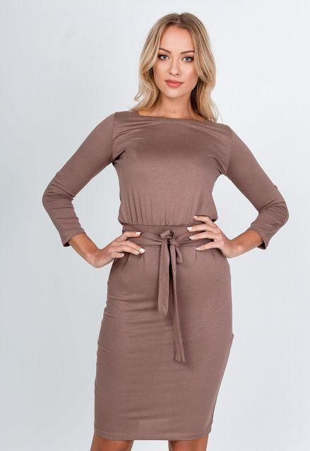 Polodlhé hnedé púzdrové šaty s opaskom