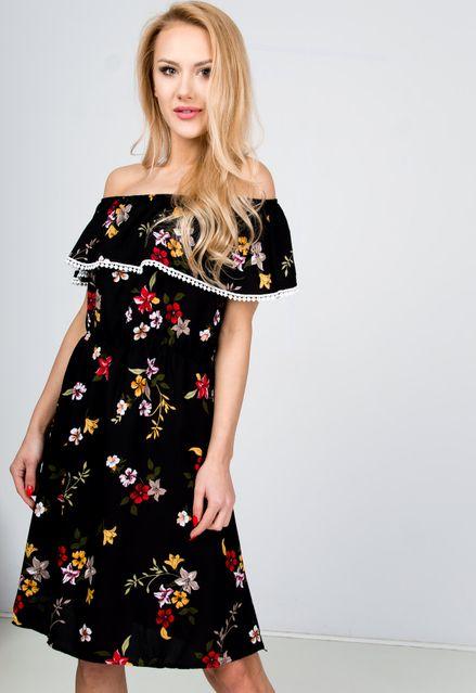 7af6bc7847dd Midi čierne kvetované šaty s lodičkovým výstrihom zväčšiť obrázok