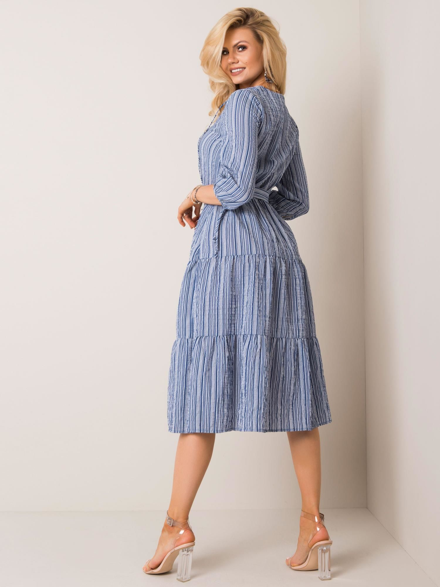 Dámske pruhované midi šaty modrej farby - 40