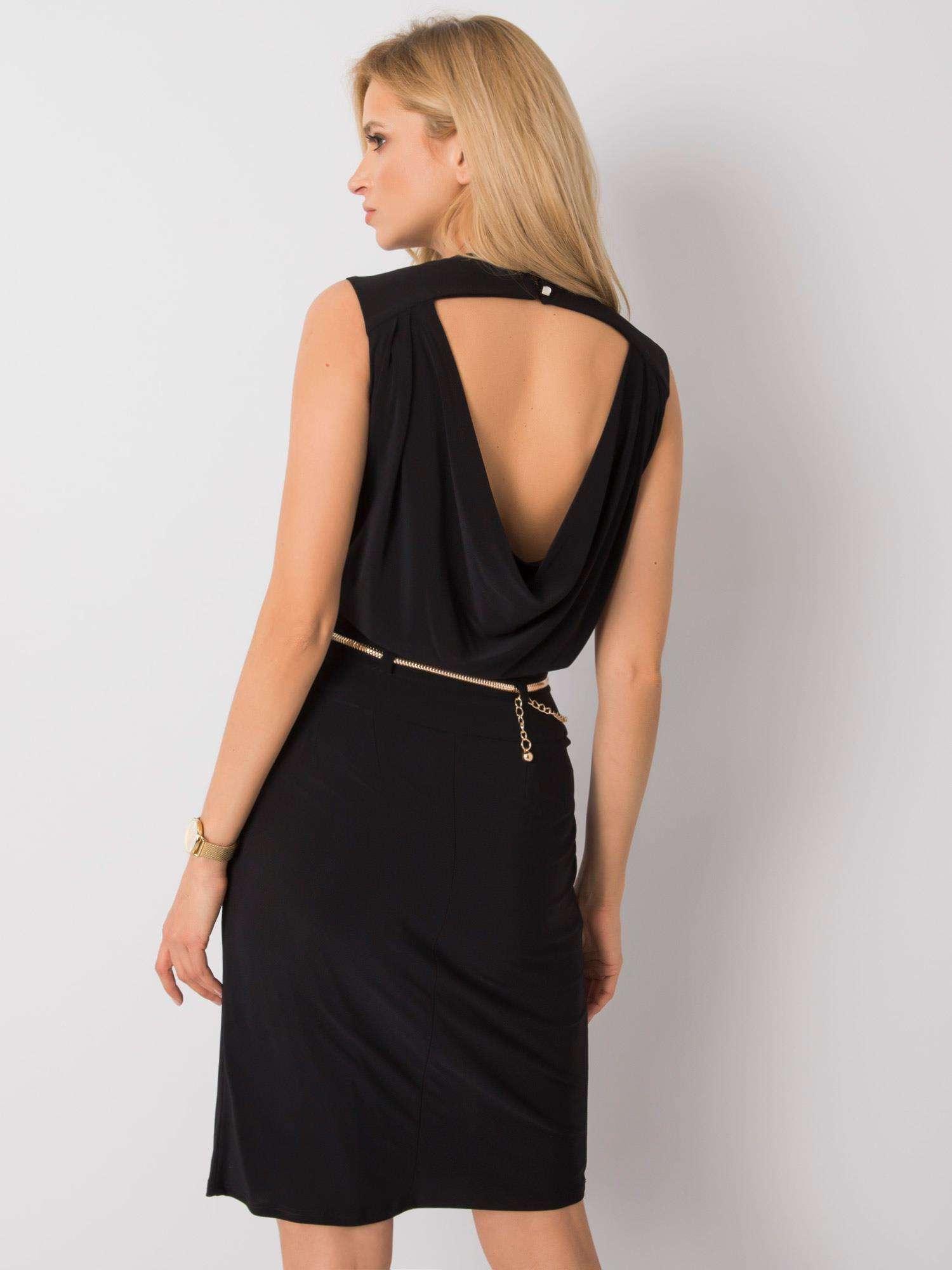 Spoločenské čierne šaty s retiazkou - 42