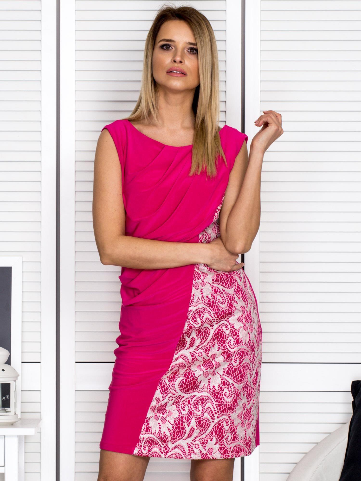 Ružové koktejlové šaty so vzorom - 42