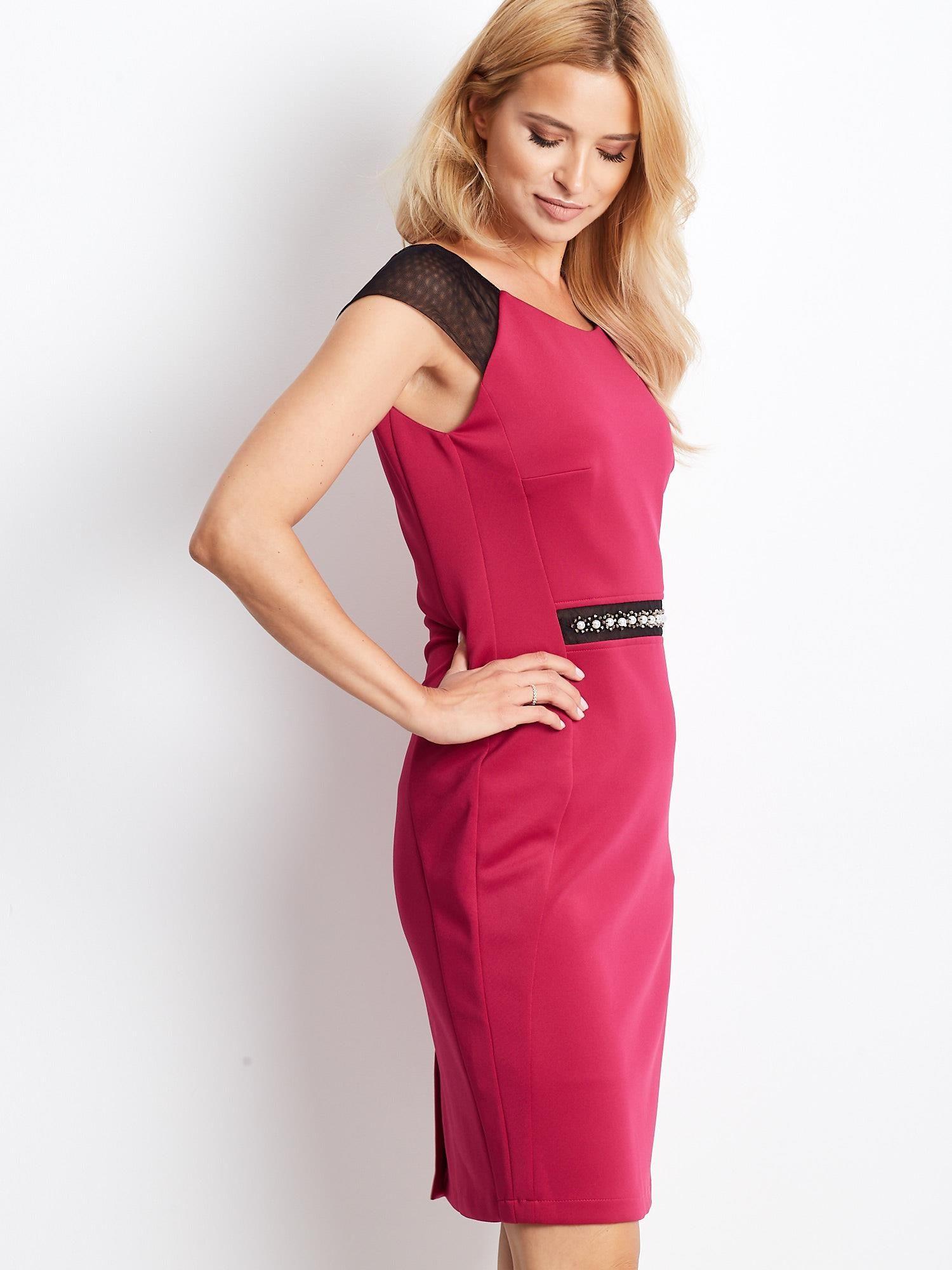 Ružové puzdrové šaty s ozdobným detailom - 42